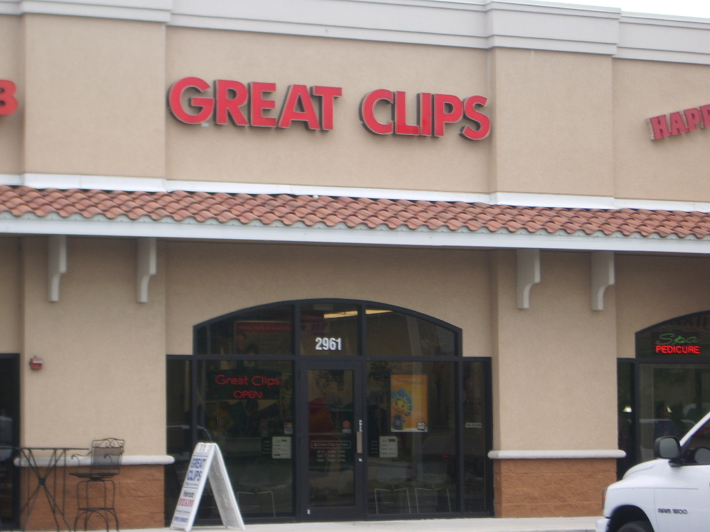 Great Clips provides quality no appointment haircuts for the entire family. You can use the store locator service on their website to find a location near you. Great Clips has a